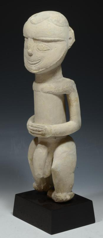 New Ireland Kulap Chalk Ancestor Figure